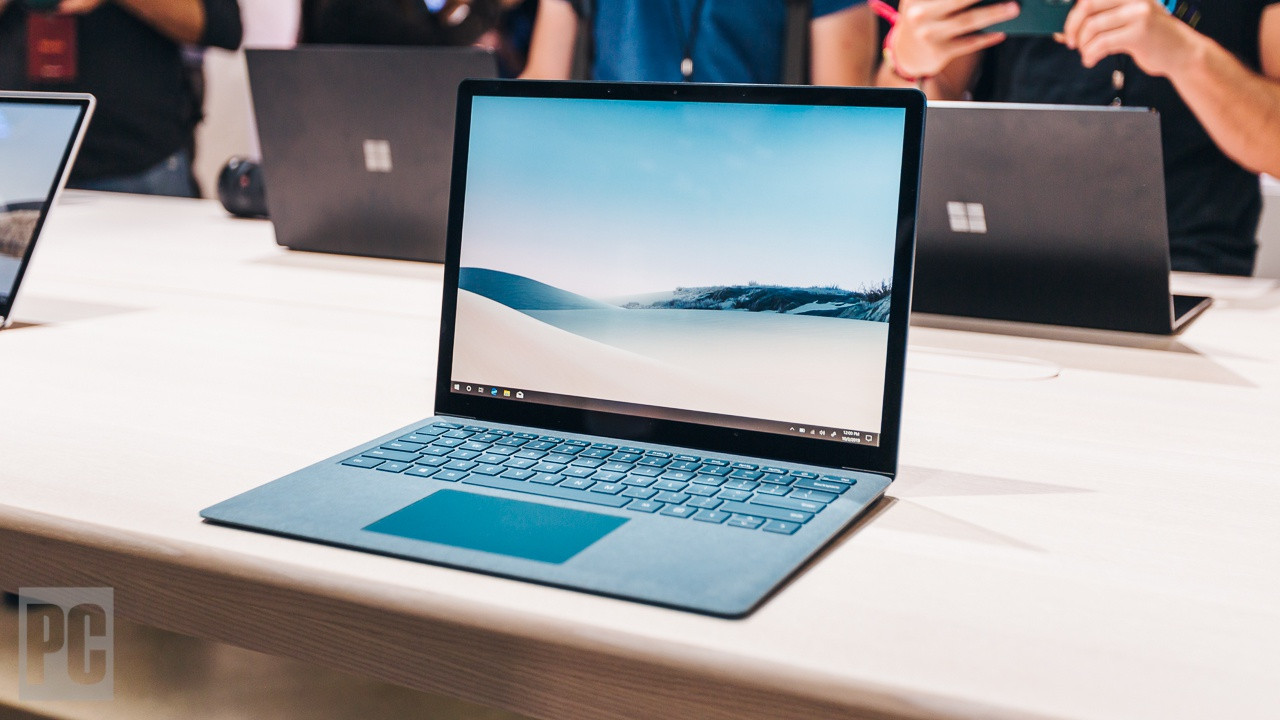 Hands On With Microsoft's Super-Size Surface Laptop 3