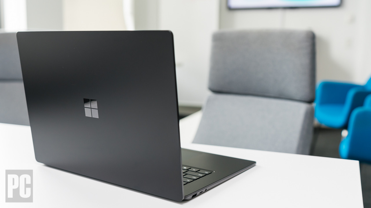 Microsoft Surface Laptop 3 (13-Inch)-04